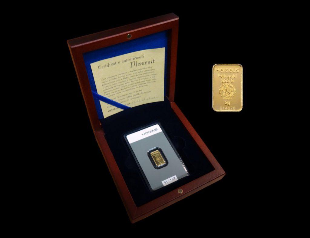 Zlatna poluga 2 grama u drvenoj kutiji