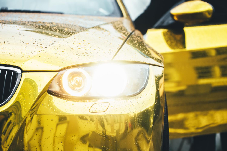 Zlatne poluge i automobili